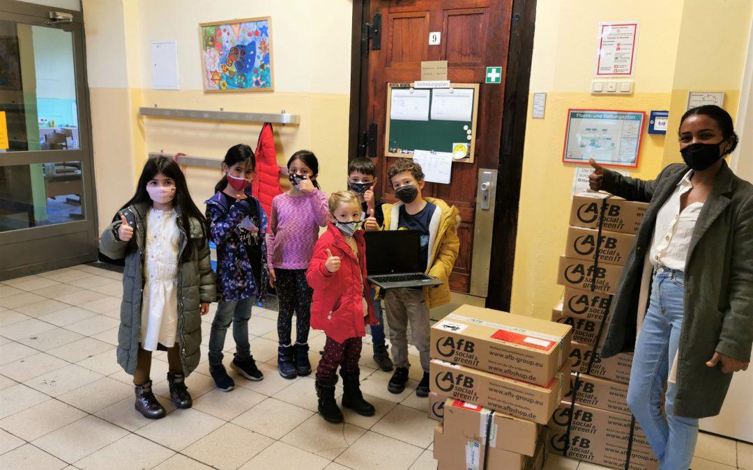 Kasinoverein Krupp e. V. spendet Laptops für Katernberger Grundschule